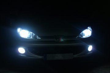 Changer ampoule voiture – Comment faire ?
